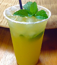 Delicious Apple, Pineapple & Mint Juice
